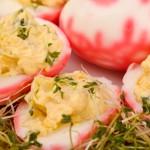 Kolorowe jaja faszerowane rzeżuchą